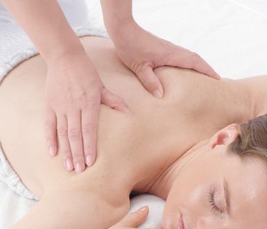 Massaggio delle scapole